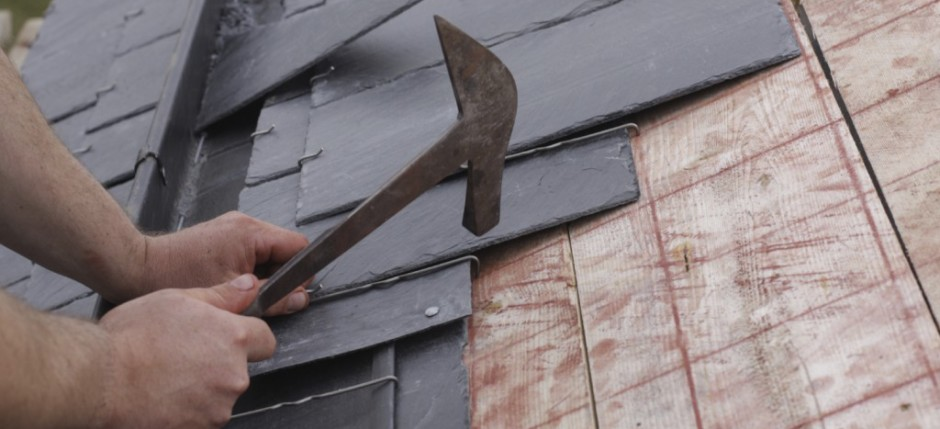 Roofer-Laying-Tiles-iStock_000011153781_Medium-1024x682